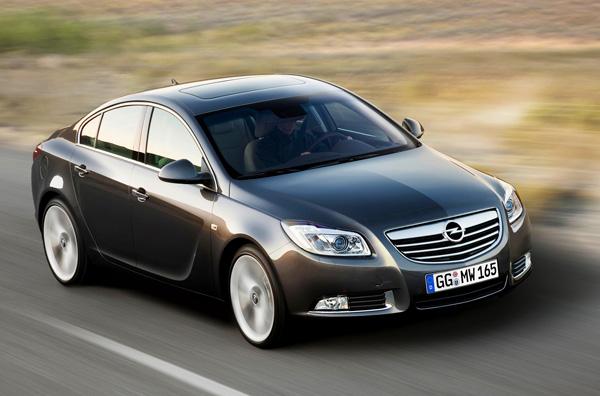 Opel Insignia 2012 получит новые моторы