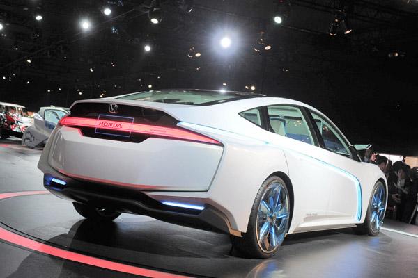Honda AC-X Concept - семейный гибрид будущего