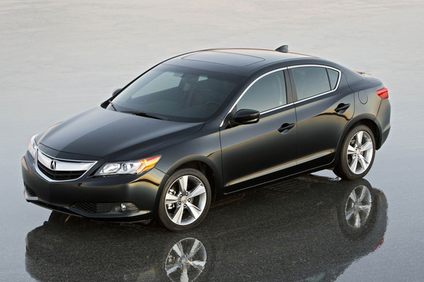 Acura ILX 2013 дебютировала в Чикаго