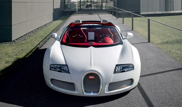 В Пекине покажут Bugatti Veyron Wei Long 2012