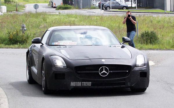 Mercedes-Benz SLR AMG замечен во время тестов