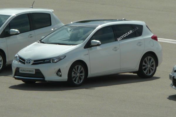 Первые фотографии Toyota Auris 2013