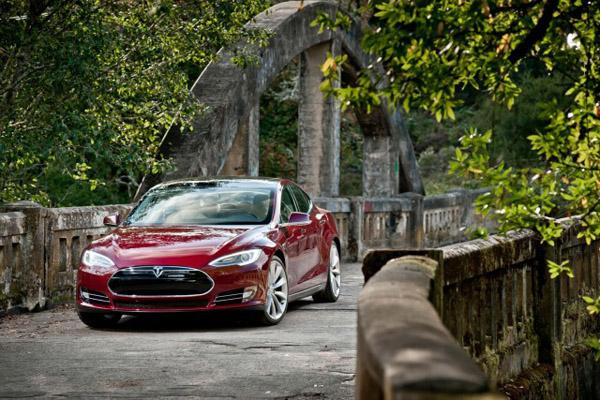 Tesla увеличит производство Model S до 30 000 в год