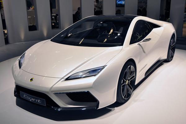 Lotus выпустит только одну из пяти новых моделей