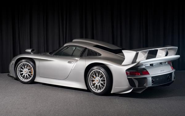 Уникальный Porsche 911 GT1 выставлен на продажу