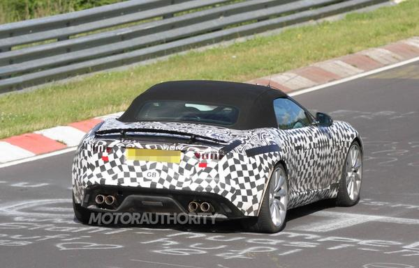 Шпионское видео нового Jaguar F-Type R
