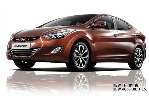 Hyundai слегка обновил Avante (Elantra) на 2013 год
