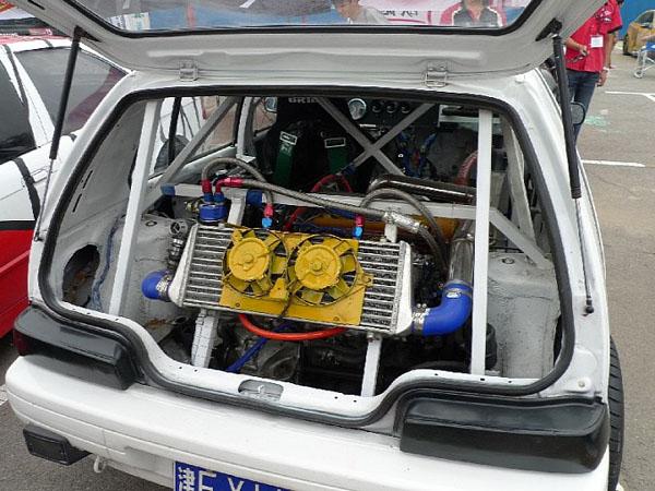 Малолитражка Tianjin-Xiali TJ700 получила V6