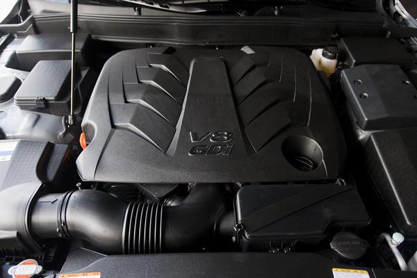 Hyundai Genesis Sedan 2013 лишится двух версий