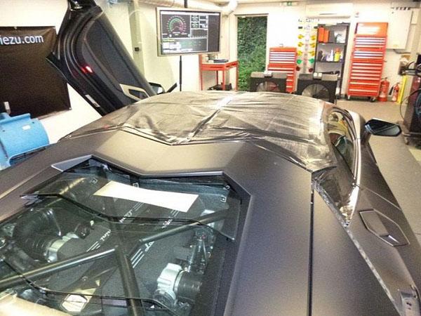 Oakley Design готовит Lamborghini Aventador Spider