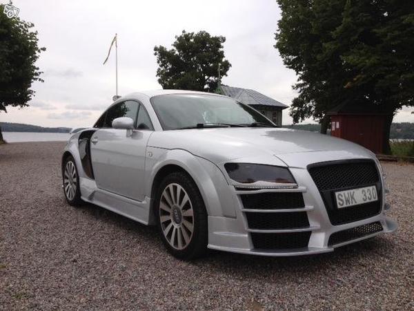 Audi TT стилизованный под R8 выставлен на продажу