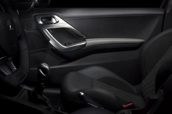 Peugeot анонсировал люксовый хэтчбек 208 XY