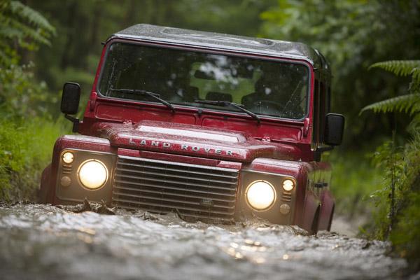 Land Rover рассказал о новом Defender 2013