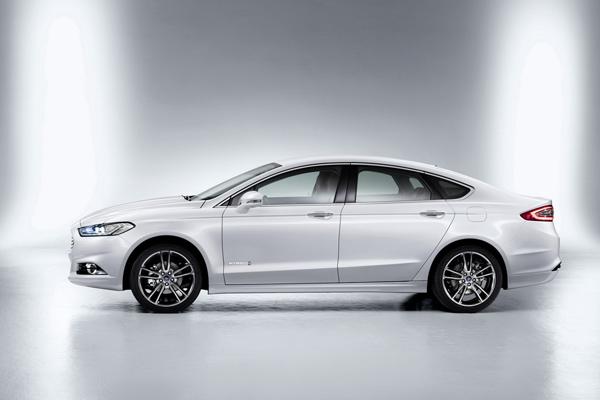 Ford поделился сведениями о новом Mondeo 2013