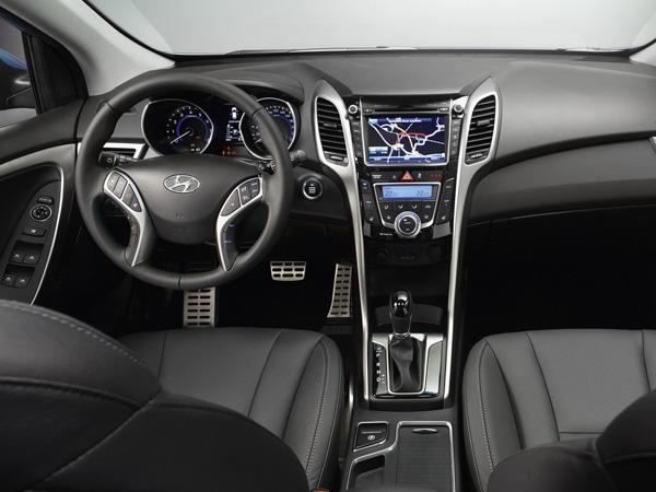 Названы российские цены на универсал Hyundai i30