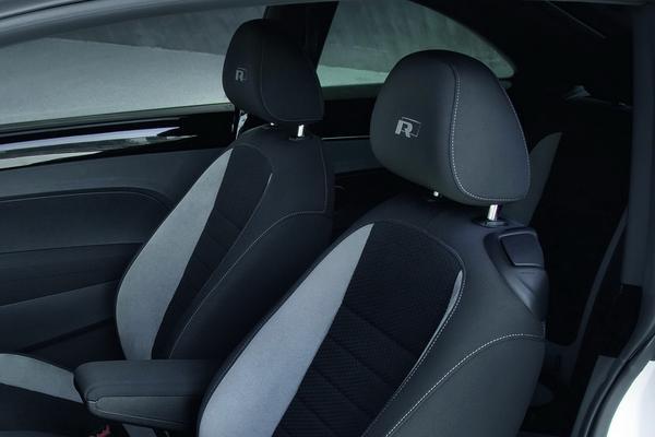 Volkswagen объявил цены пакетов R-Line для Beetle
