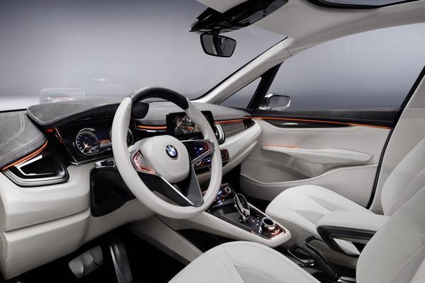 Первые данные и фото BMW Concept Active Tourer