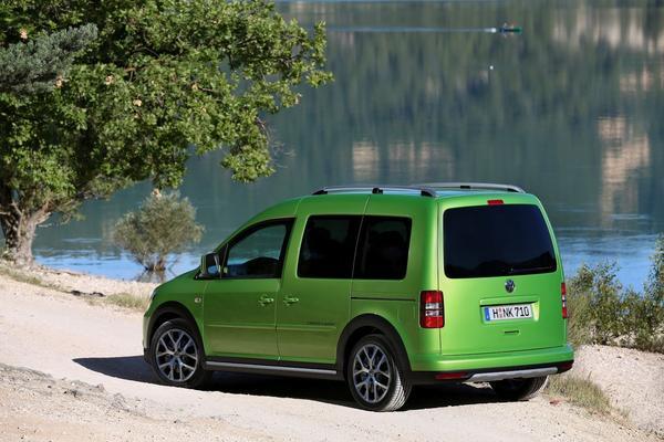 Volkswagen подготовил версию Cross для Caddy 2013