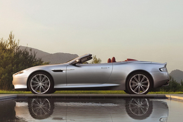 Aston Martin анонсировал обновленный DB9 2013