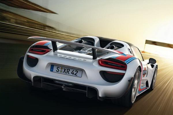 Porsche обнародовал новые данные о 918 Spyder