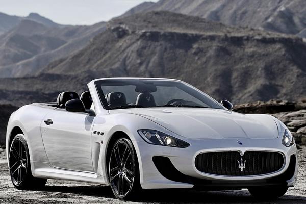 В сеть попали фото Maserati GranCabrio MC Stradale