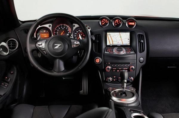 Nissan показал фото обновленного 370Z для Европы