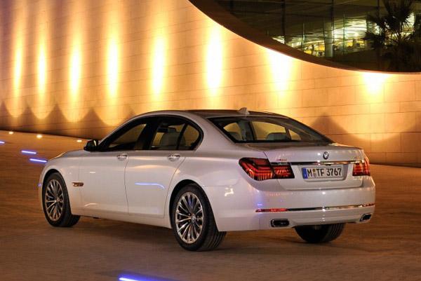 BMW готовит новые модификации седана 7-Series