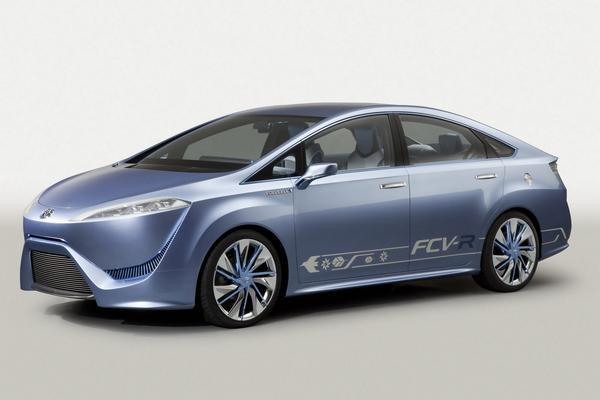 Toyota добавит 21 гибридную модель к 2015 году
