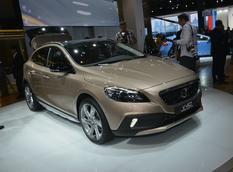 Volvo презентовала V40 R-Design и Cross Country