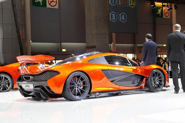 McLaren привез в Париж свой новый концепт Р1