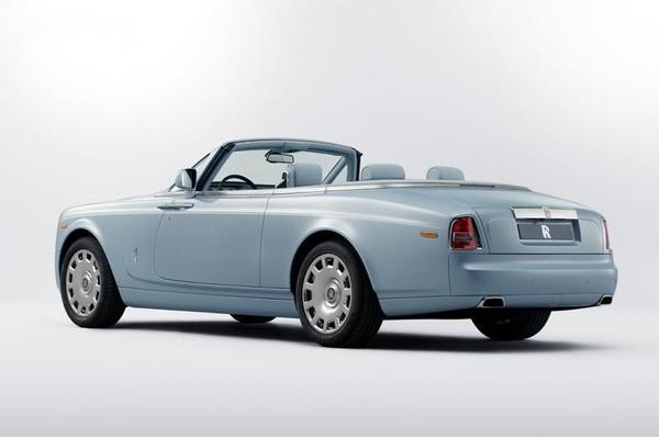 Rolls Royce показал три спецверсии Art Deco