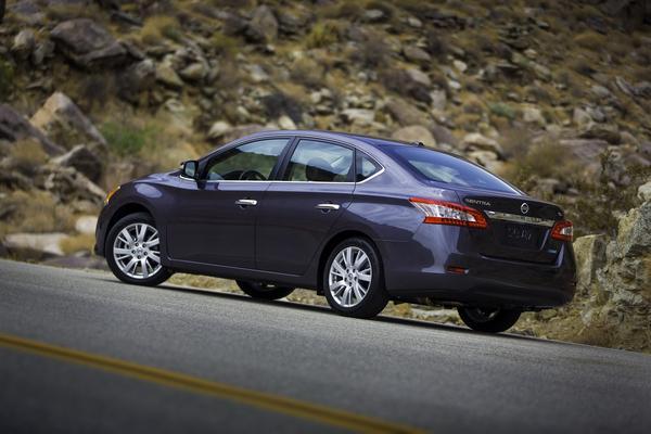 Nissan объявил цену компактного седана Sentra