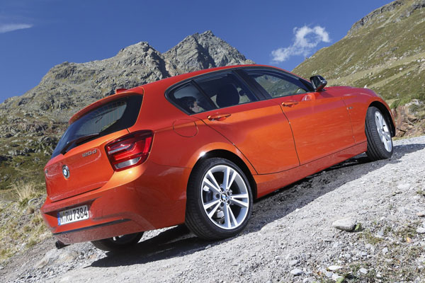 Стали известны рублевые цены BMW 1-Series xDrive