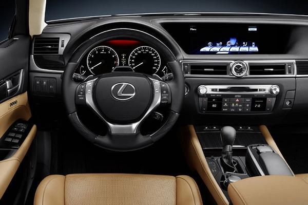 Lexus оценил «базовый» CT200h в 35 600 долларов
