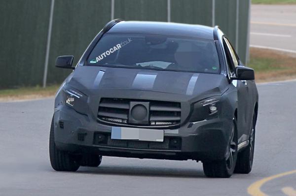 Спайшоты нового кроссовера Mercedes-Benz GLA