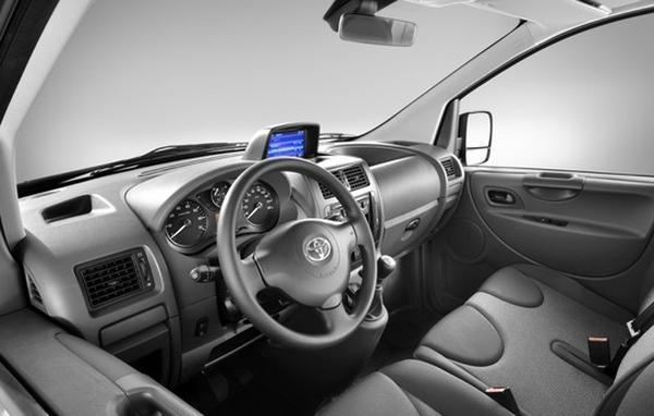 Toyota представила новый фургон ProAce Van 2013