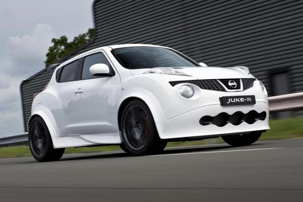 Первый серийный Nissan Juke-R сошел с конвейера