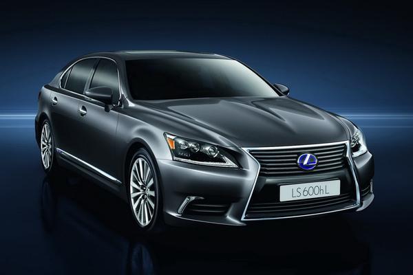 Lexus объявил цены на флагманский седан LS 2013