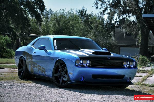 Mopar снабдил Dodge Challenger оптикой от Oracle
