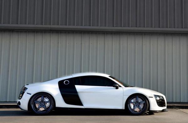 Audi R8 V10 в тюнинге Strasse Forged