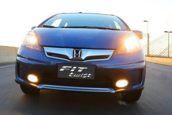 Honda стилизовала компактвэн Fit под кроссовер
