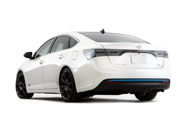 Toyota покажет на SEMA три версии Avalon 2013