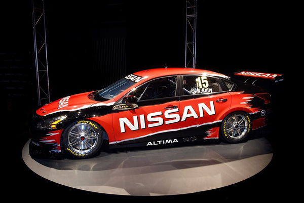 На базе Nissan Altima построили болид V8 Supercar