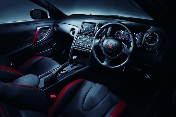 Новые данные о Nissan GT-R 2013