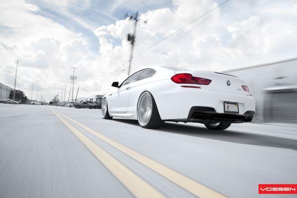 """SR Auto снабдило BMW 650i 22"""" дисками Vossen"""