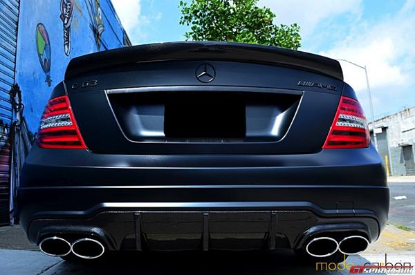 Mercedes C63 Dark Knight Portfolio от Mode Carbon