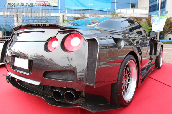 Карбоновый Nissan GT-R от корейских тюнеров