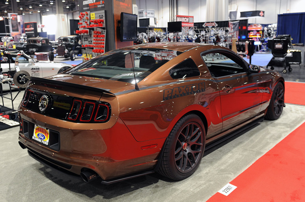Ford Mustang Gold Bronze – экспонат SEMA 2012