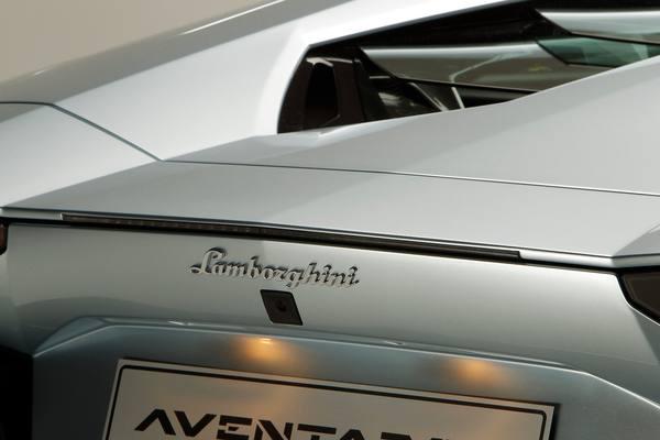 Lamborghini представил родстер Aventador LP700-4