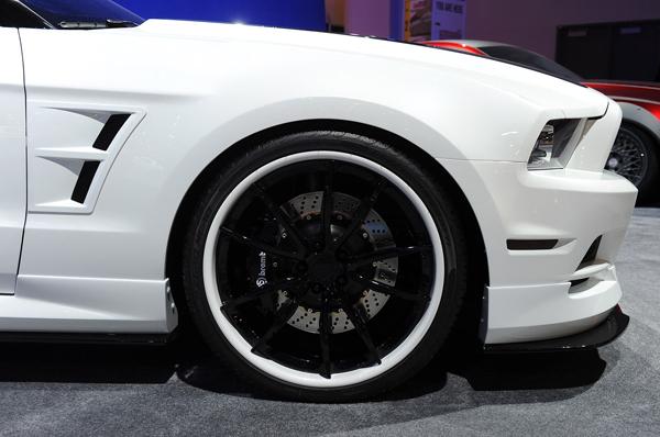 Ford Mustang GT 2013 в тюнинге DSO Eyewear